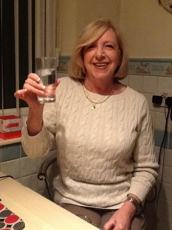 Linda Davis in the photo 1