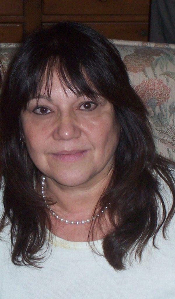 Michelle Gagnon in the photo 2