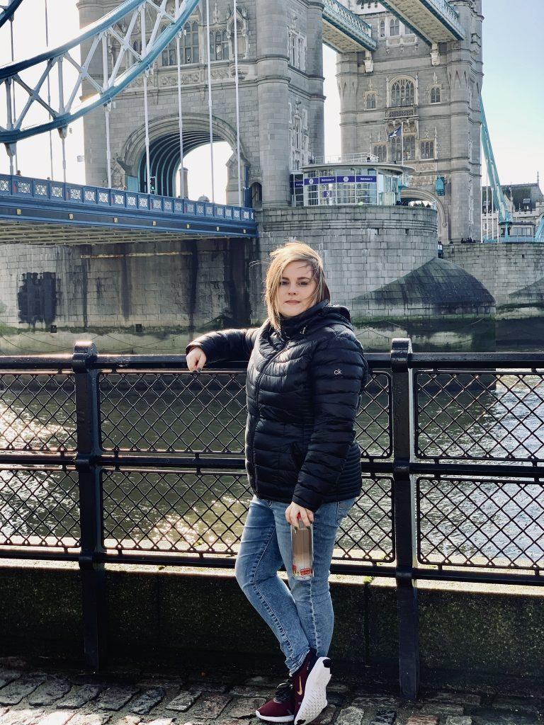 Amanda Kushner in the photo 2
