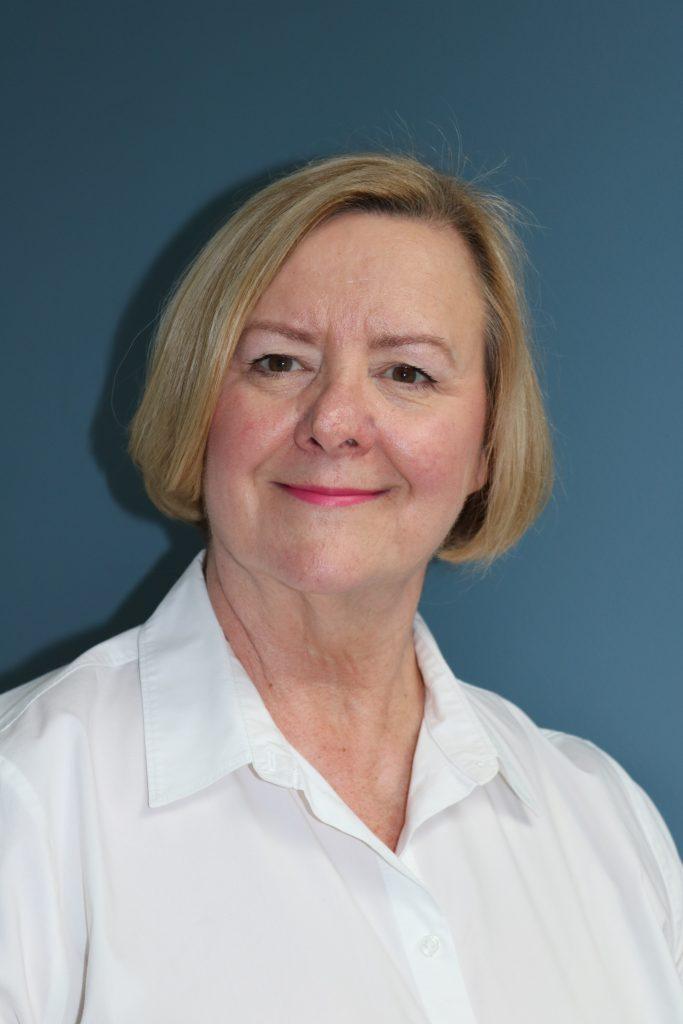 Nancy Gillen in the photo 1